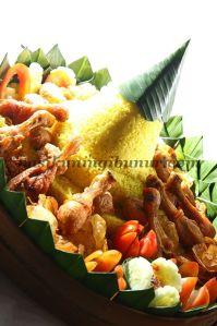 tumpeng nasi kuning ibu nur